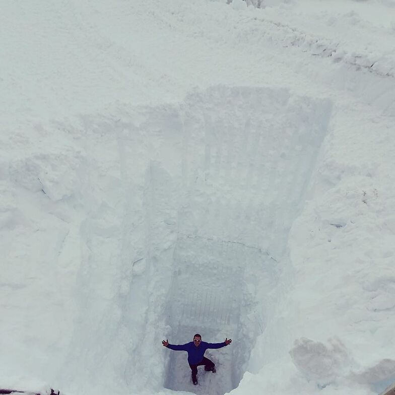 11 metre snow depth (36ft), Fonna Glacier