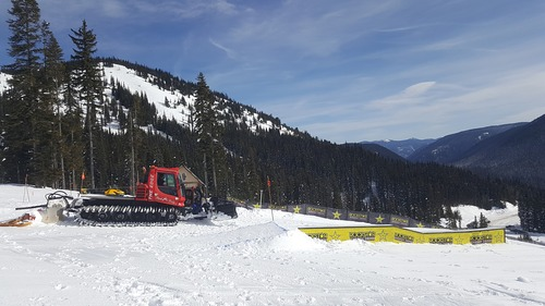 Manning Park Resort Ski Resort by: tourist offical