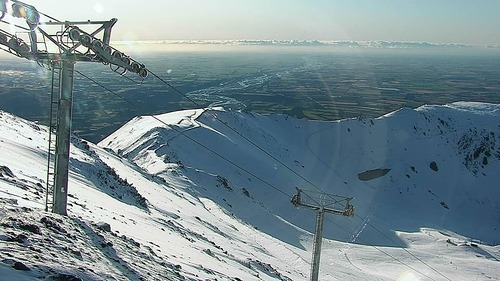 Mt Hutt Ski Resort by: tourist offical