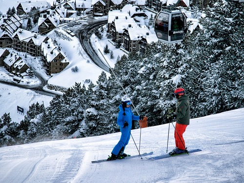 Baqueira/Beret Ski Resort by: tourist offical