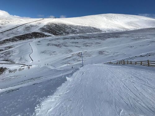 Cairngorm Ski Resort by: tourist offical