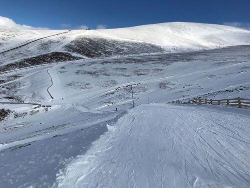 Cairngorm Ski Resort by: tourist offical