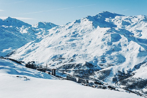 Les Menuires Ski Resort by: tourist offical