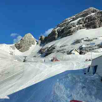 slopes have re-opened & there's some fresh snow, Bovec - Kanin
