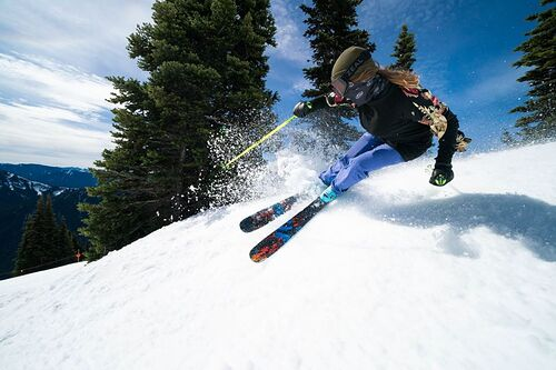 Crystal Mountain Ski Resort by: tourist offical