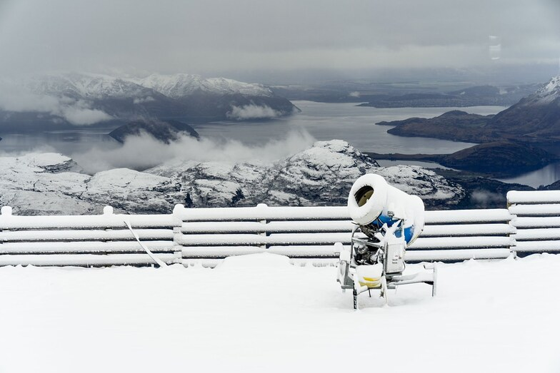 """Up to 45cm (18"""") of snow in New Zealand over the past 24 hours, Treble Cone"""