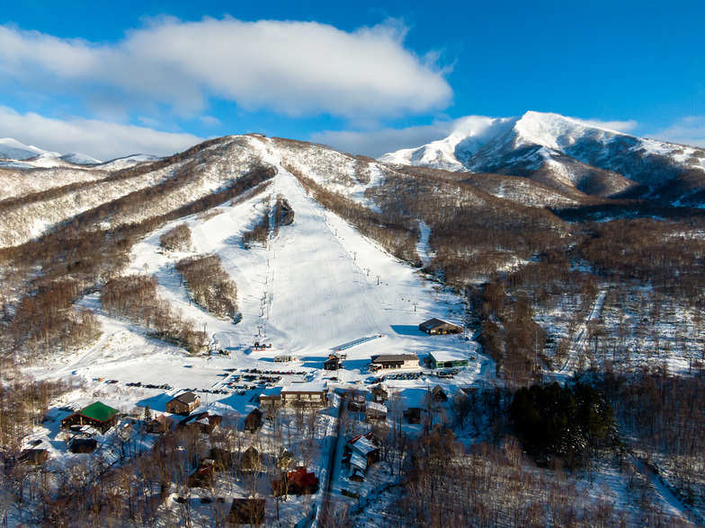 Birds eye view of Niseko Moiwa Ski Rersort