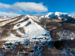Birds eye view of Niseko Moiwa Ski Rersort photo