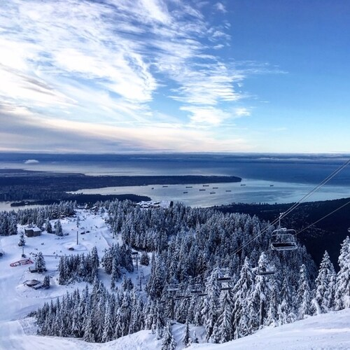 Grouse Mountain Ski Resort by: tourist offical
