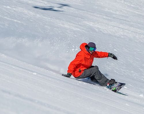 Mt Bachelor Ski Resort by: tourist offical