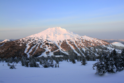 Mt Bachelor Ski Resort by: tourist offical