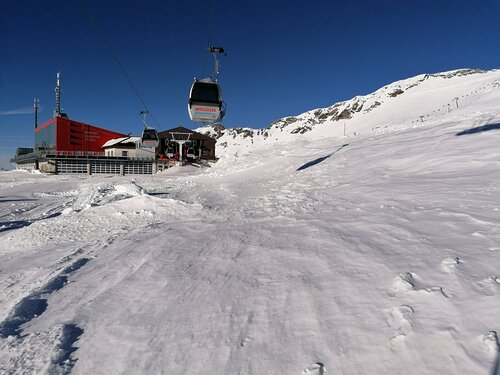 Mölltaler Gletscher Ski Resort by: tourist offical