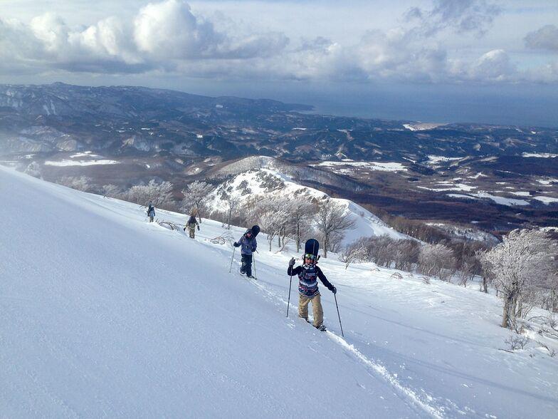 Backcountry access from Aomori Spring Resort, Aomori Spring (Ajigasawa)