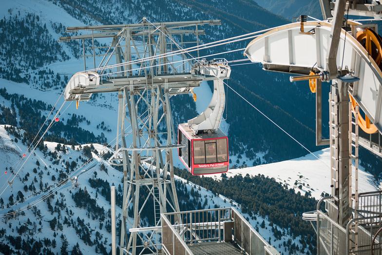 Pal Arinsal cable car, photo by Martin Imatge, Vallnord-Arinsal