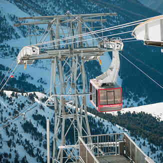 Pal Arinsal cable car, photo by Martin Imatge, Vallnord-Arinsal