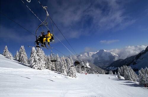 Saint Jean Montclar Ski Resort by: tourist offical