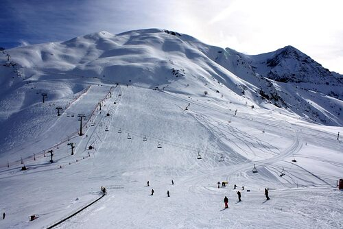 Panticosa Ski Resort by: tourist offical
