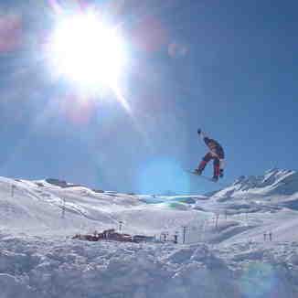 Jump Erik!, Tignes