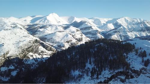 Lunada Ski Resort by: Luis González-Camino