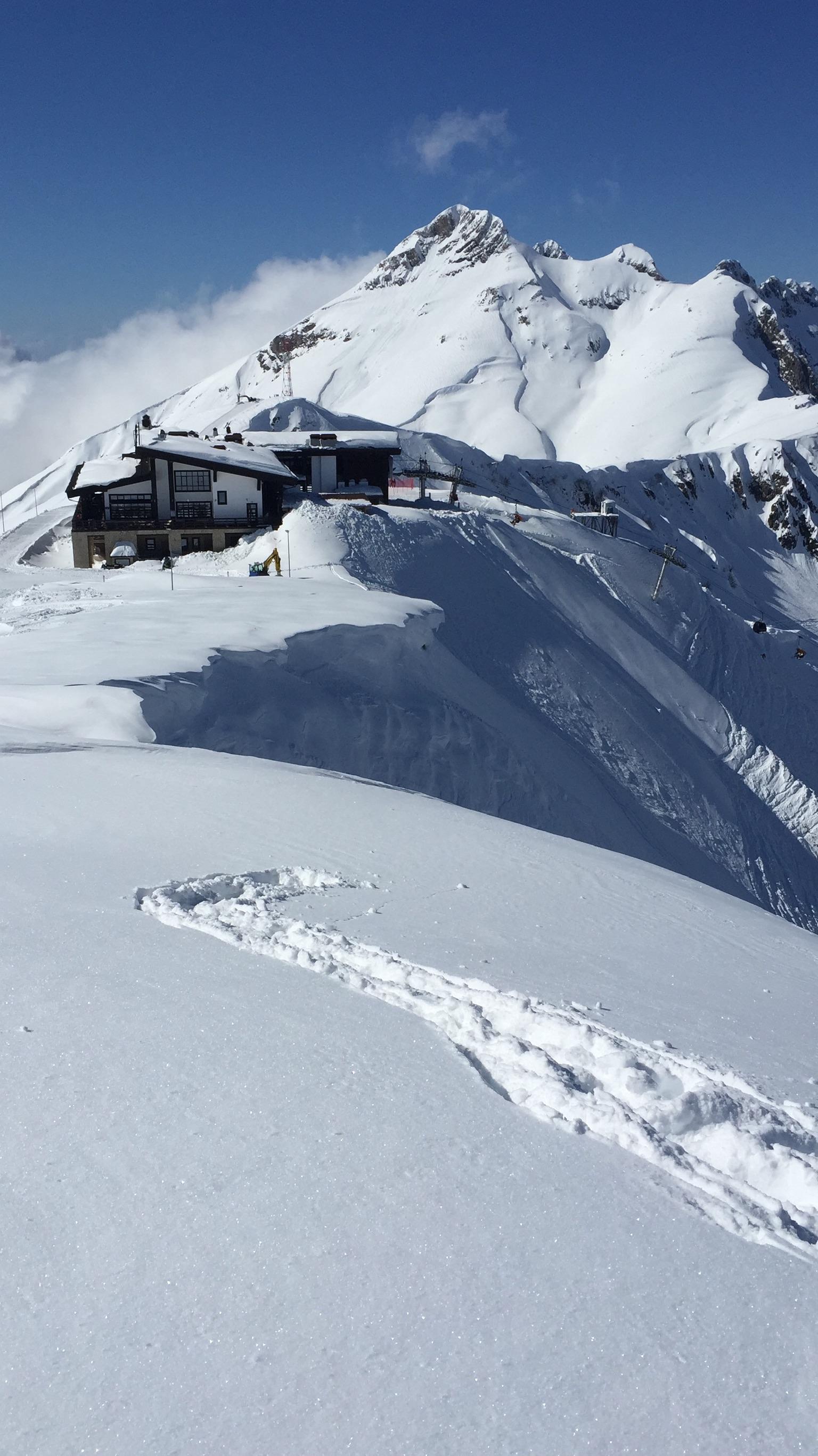 Alpika 2400, Альпика
