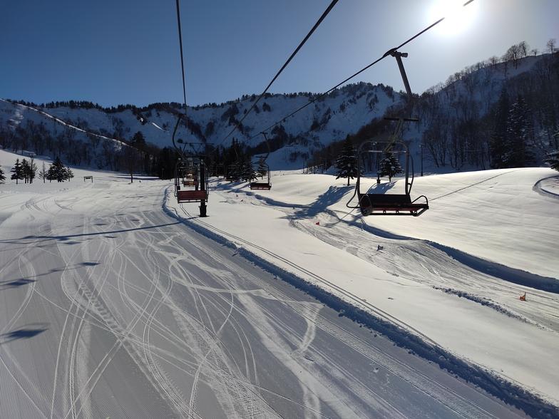 Heading up to the bunny slopes at Yuzawa Nakazato