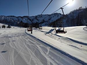 Heading up to the bunny slopes at Yuzawa Nakazato photo