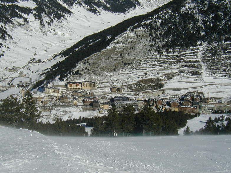Soldeu from the red run at the top of the gondola, Grandvalira-Soldeu