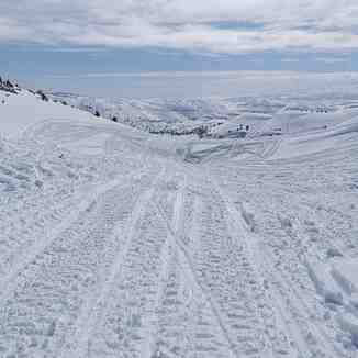 Snowmobile tracks, Laqlouq