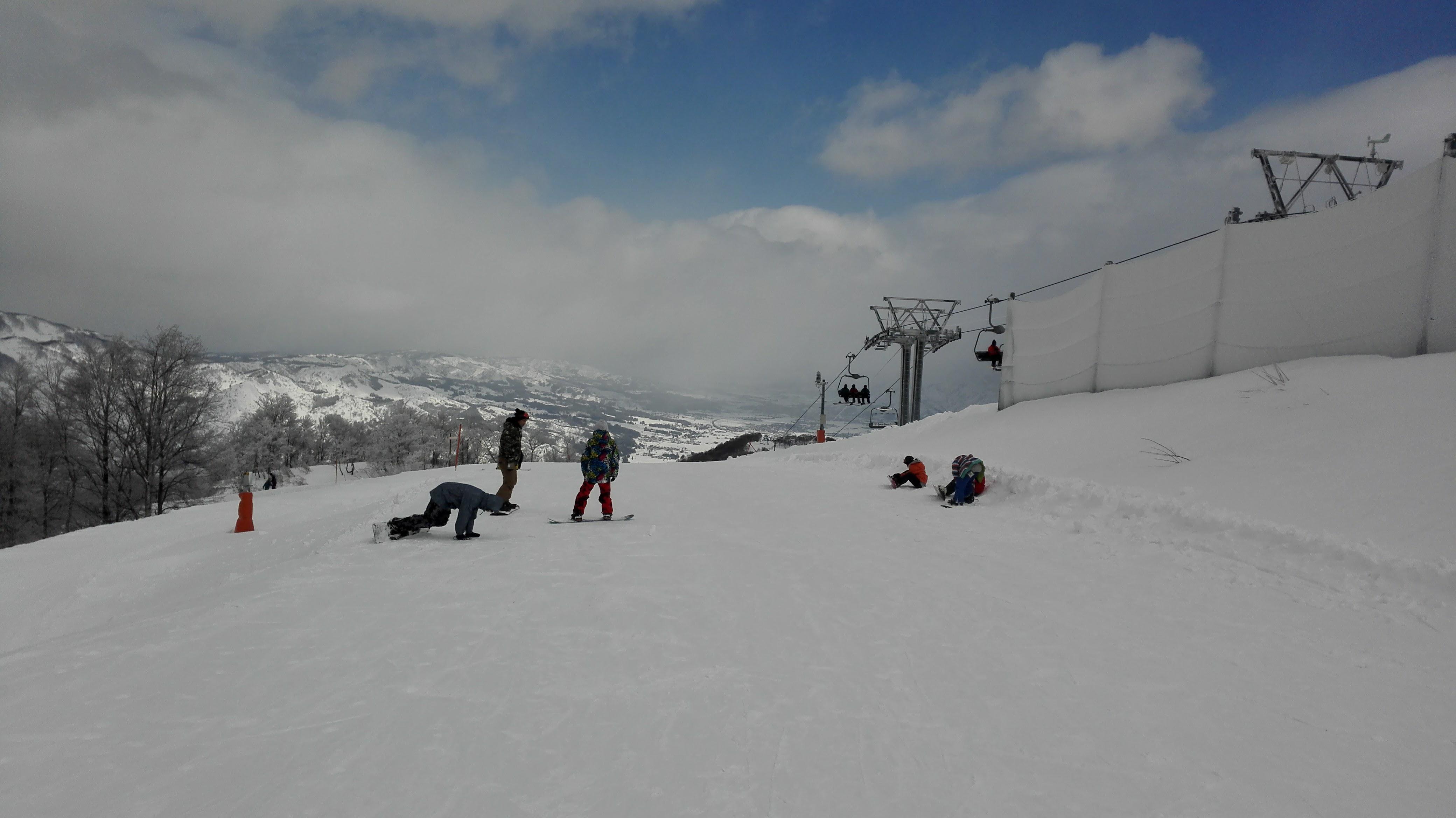 The top of the Sociable quad lift at GALA Yuzawa