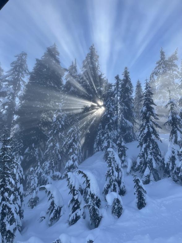 Rays of Sun on Trumpeter, Cypress Mountain
