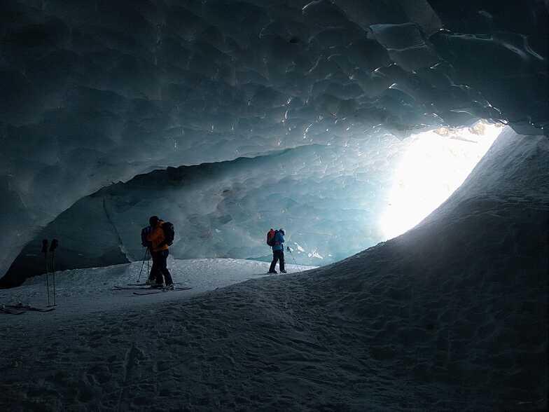 Glacier cave, Arolla