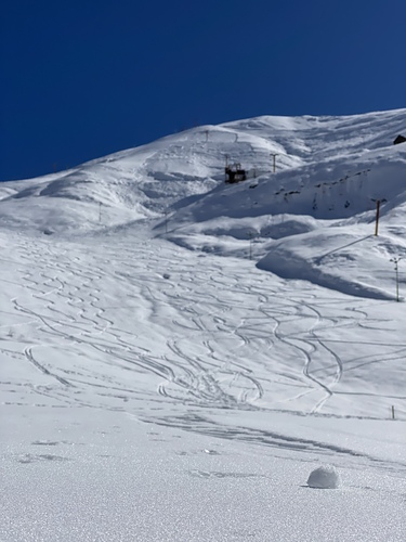 Shemshak Ski Resort by: pouya kermaj