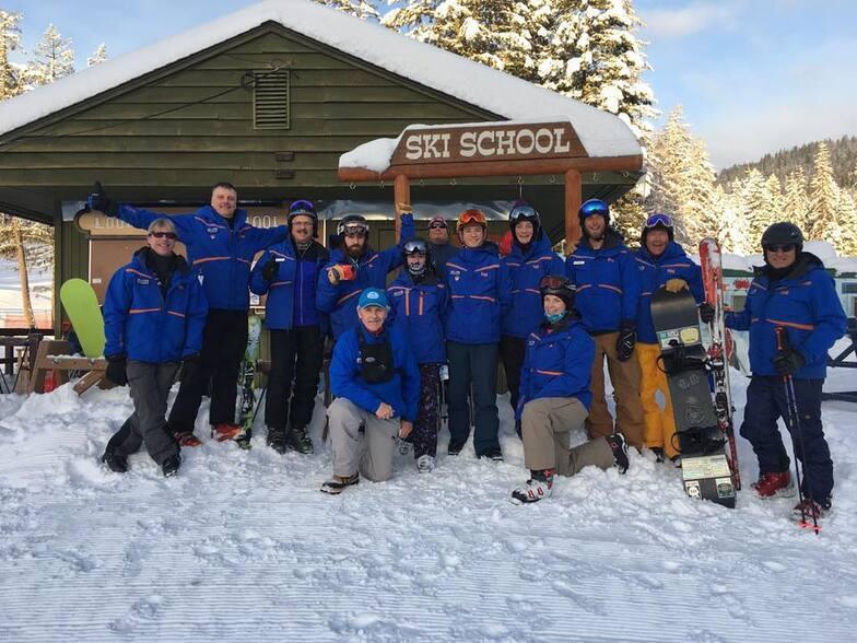 Ski Instructor Staff, Loup Loup