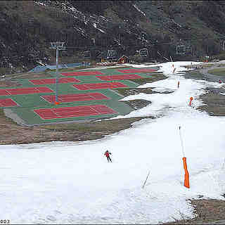 the last skier of the season 2002/2003, Les Menuires
