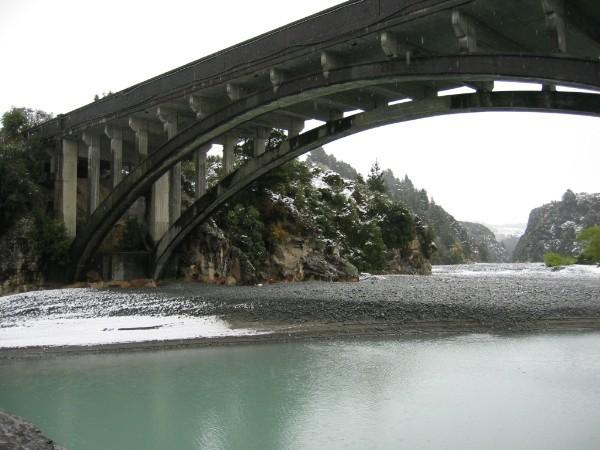Rakaia River gorge bridge, Mt Hutt