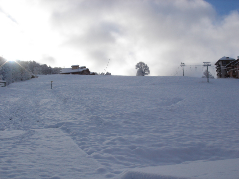 Skiing into the heart of the village, St Martin de Belleville