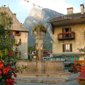 Village Square, Samoens