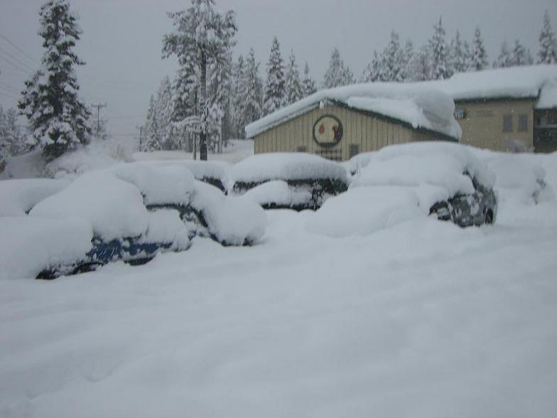 buried cars, Mammoth Mountain