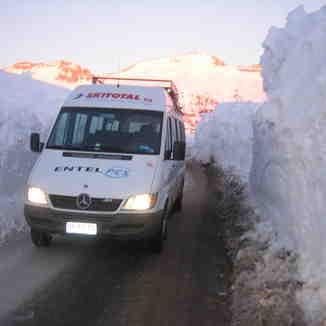 Mercedes Sprinter Snow Drift, Valle Nevado