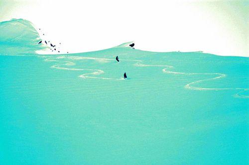 Aoraki-Mt Cook Ski Resort by: Peter Idoine
