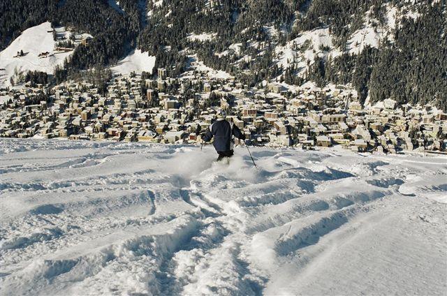 Tony skiing to Davos from Jakobshorn,Switzerland