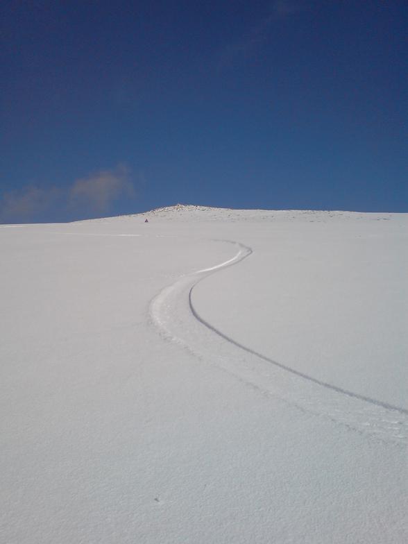 Y Garn Snowdonia fresh tracks from summit!