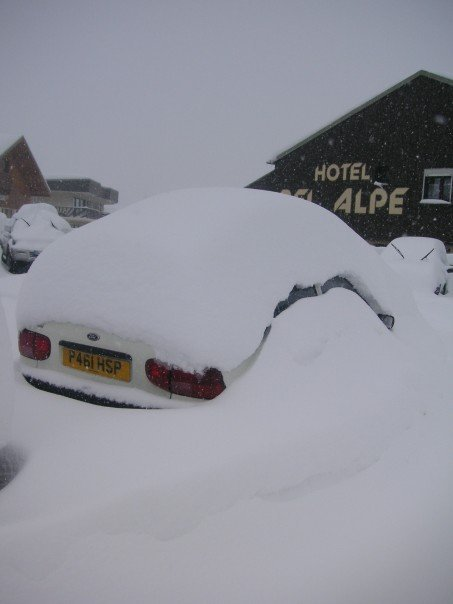 Snow buried car!, Alpe d'Huez