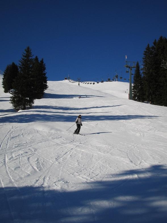 Lech skiing