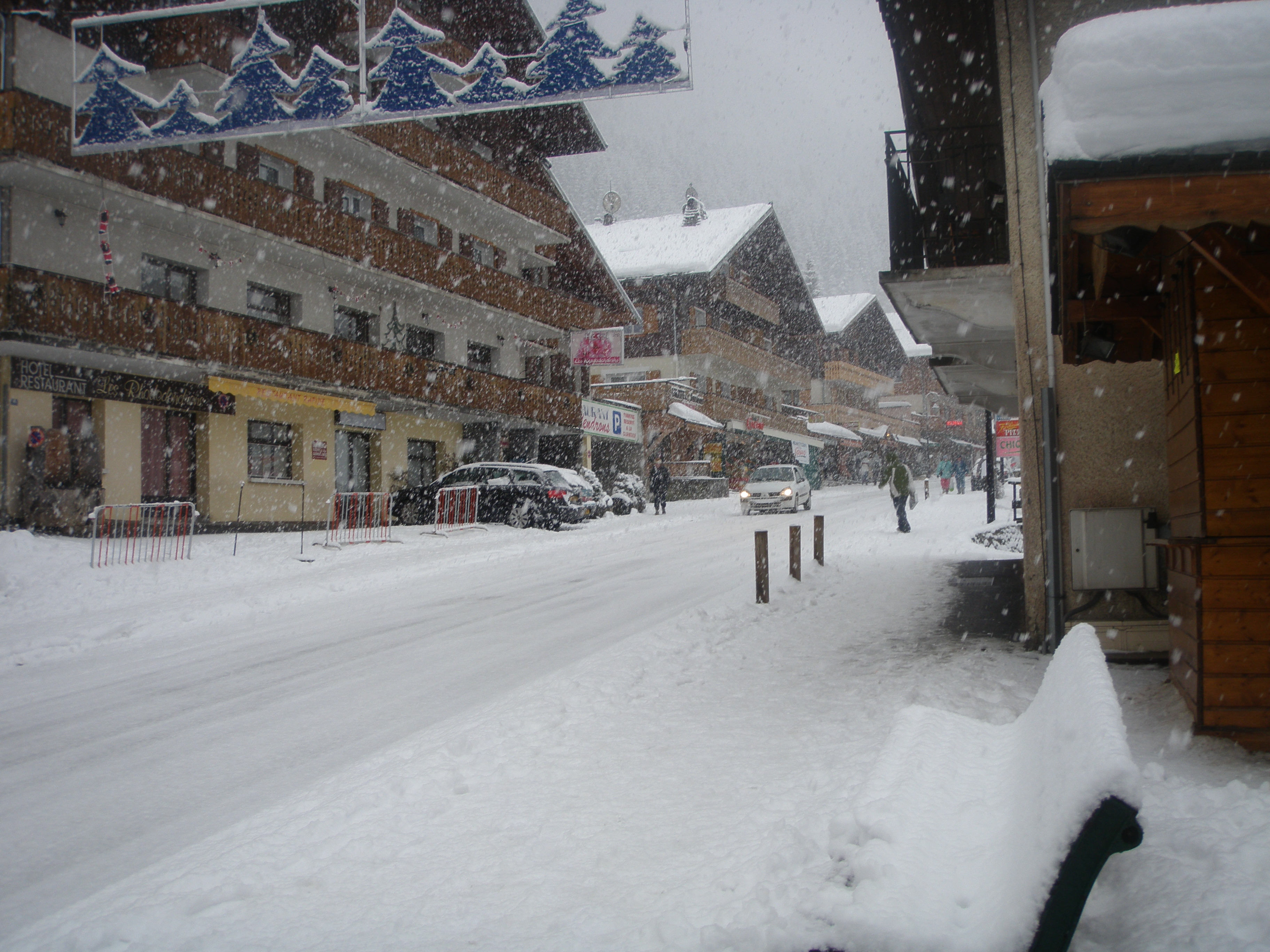 Chatel High Street