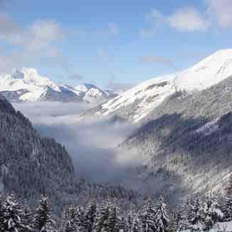 Lindarets valley, Chatel