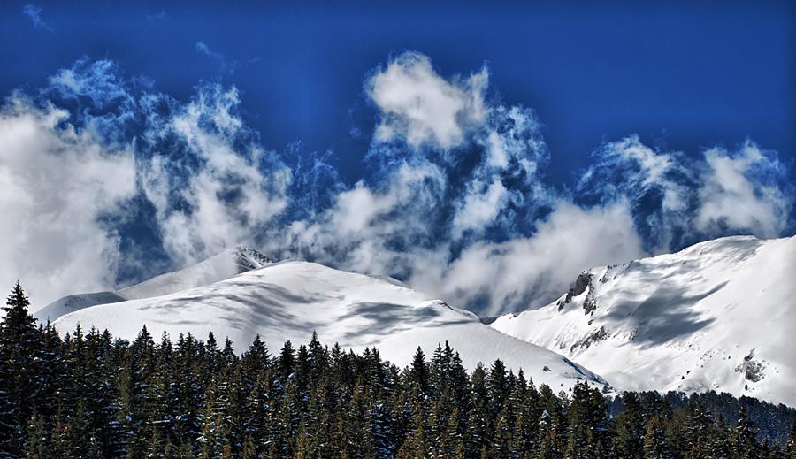 Flying clouds, Bansko