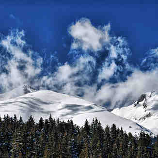 Flying clouds, Bansko