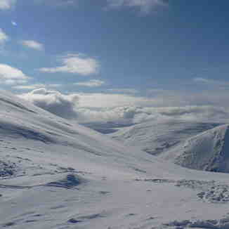 FAMILY OUTING, GREAT SNOW, BEAUTIFUL SUNSHINE., Glenshee
