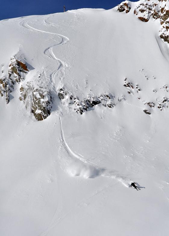 Fresh lines at Stubai, Stubai Glacier